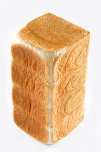 立てた一斤のパンの写真素材 [FYI03123277]