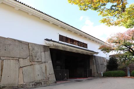 大阪城・大手口の多聞櫓の写真素材 [FYI03124282]