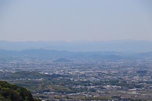 若草山から眺める耳成山の写真素材 [FYI03124476]