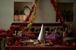 パーティの準備が整った部屋の写真素材 [FYI03124639]