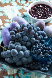 フレッシュブルーベリーと ブルーベリージャムの写真素材 [FYI03124665]