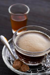 カラメルソースとベトナムコーヒーの写真素材 [FYI03124677]