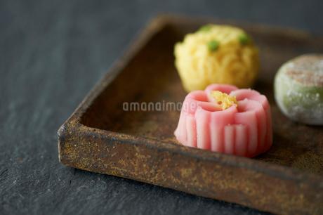 3種のお茶菓子の写真素材 [FYI03124774]