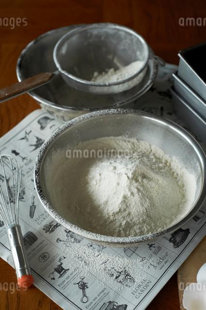 ふるった小麦粉の写真素材 [FYI03124895]