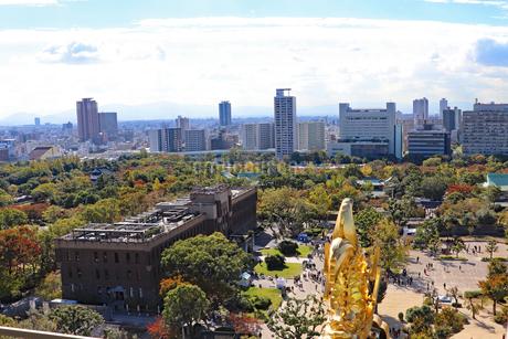 天守閣から眺める大阪の風景の写真素材 [FYI03125471]
