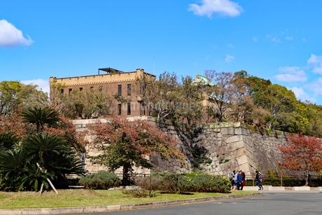 大阪城公園に残る近代建築の写真素材 [FYI03125487]