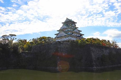 大阪城・内堀の風景の写真素材 [FYI03125531]