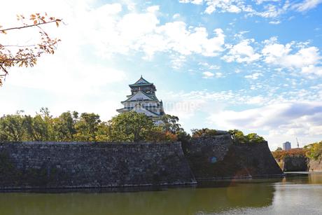 大阪城と秋空の写真素材 [FYI03125534]
