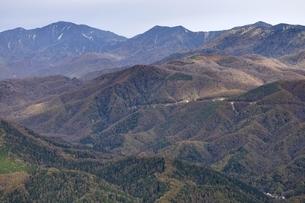 鶏冠山から甲武信ヶ岳方面の展望の写真素材 [FYI03126688]
