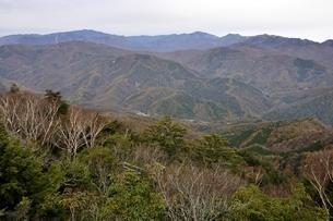 鶏冠山から甲武信ヶ岳方面のパノラマの写真素材 [FYI03126700]
