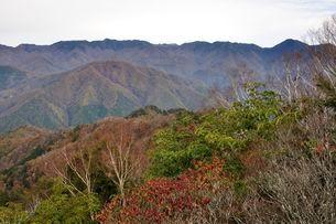 鶏冠山から笠取山方面のパノラマの写真素材 [FYI03126701]