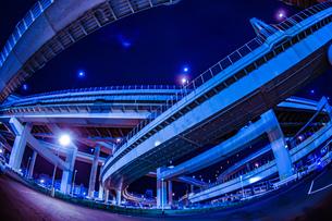 首都高速湾岸線・大黒ジャンクション(横浜市鶴見区)の写真素材 [FYI03126898]