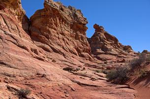 林立する赤い砂岩性堆積岩の写真素材 [FYI03126998]