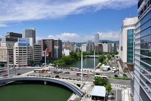 猿猴川にかかる広島駅前大橋の写真素材 [FYI03127587]