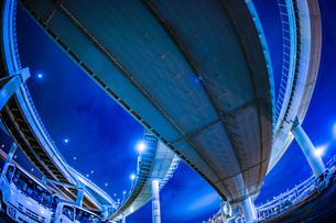 首都高速湾岸線・大黒ジャンクション(横浜市鶴見区)の写真素材 [FYI03127979]