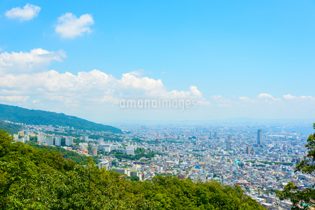 神戸市東部より阪神間と大阪都心を望むの写真素材 [FYI03128011]