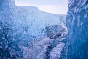 アイスランド・氷の洞窟(ヴァトナヨークトル)の写真素材 [FYI03128114]