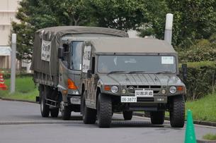 災害派遣の自衛隊車両の写真素材 [FYI03128346]
