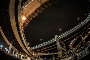 首都高速湾岸線・大黒ジャンクション(横浜市鶴見区)の写真素材 [FYI03128557]