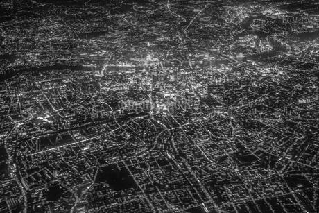 飛行機から見えるロンドンの夜景の写真素材 [FYI03128574]