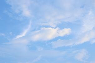 青空と雲 2の写真素材 [FYI03129293]