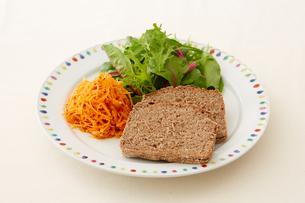 健康的な朝食の写真素材 [FYI03129558]