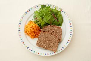 健康的な朝食の写真素材 [FYI03129561]