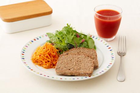 健康的な朝食の写真素材 [FYI03129566]