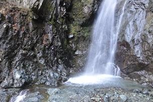日本の滝百選 早戸大滝の写真素材 [FYI03129653]