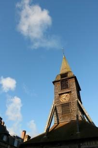 朝の教会の写真素材 [FYI03129761]