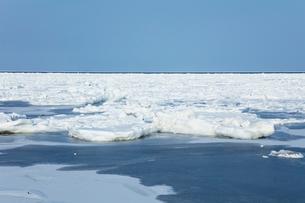 オホーツク海の流氷の写真素材 [FYI03130162]