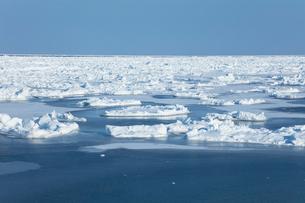オホーツク海の流氷の写真素材 [FYI03130163]