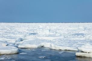 オホーツク海の流氷の写真素材 [FYI03130164]