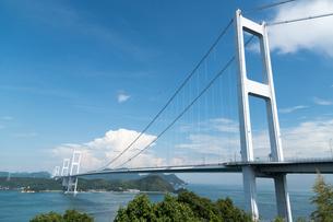 来島海峡展望館より しまなみ海道 来島海峡大橋の写真素材 [FYI03130250]
