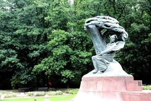 ショパンの銅像の写真素材 [FYI03131032]