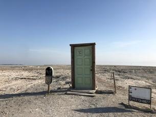 荒野のドアの写真素材 [FYI03131302]