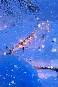 大内宿 雪景色 夜の写真素材 [FYI03131416]
