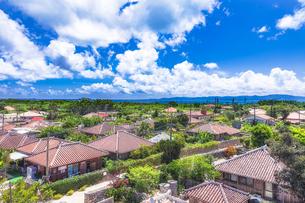 沖縄県・八重山諸島 竹富島の風景 1の写真素材 [FYI03132398]