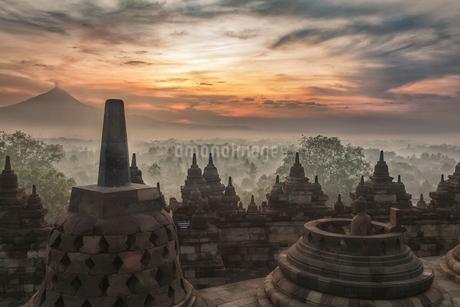 インドネシア・ボロブドゥール寺院遺跡群の写真素材 [FYI03132445]