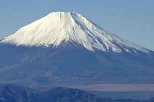 丹沢山地 丹沢山よりの富士山の写真素材 [FYI03132468]