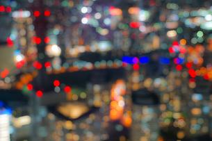 横浜ランドマークタワーから見える横浜の夜景(ボケ強)の写真素材 [FYI03132718]