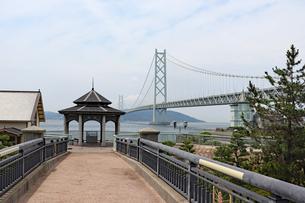 橋の見える街の写真素材 [FYI03132976]