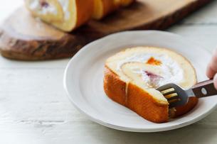ロールケーキの写真素材 [FYI03133180]
