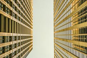 東京丸の内のビジネス街・オフィスビルのイメージの写真素材 [FYI03133574]