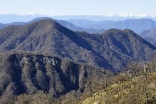 西丹沢の山並みと南アルプスの展望の写真素材 [FYI03133970]