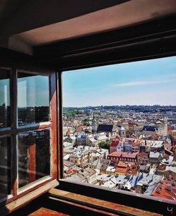 窓からの景色の写真素材 [FYI03134761]