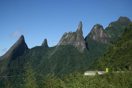 リオ州の奇岩デッド・デ・デウスの写真素材 [FYI03134822]