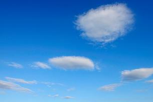浮き雲の写真素材 [FYI03135074]
