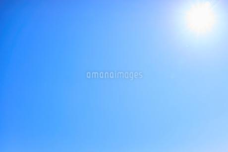 青空 太陽の写真素材 [FYI03135136]