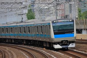 京浜東北線 E233系1000番台電車の写真素材 [FYI03135807]